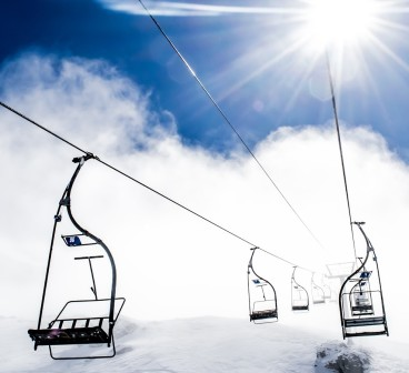 hd-wallpaper-with-chairlift-in-ski-resort